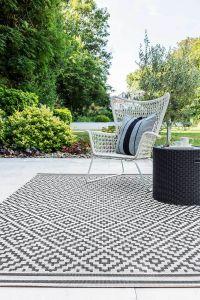 Patio Diamond PAT12 Geometric Indoor Outdoor Rugs in Black White