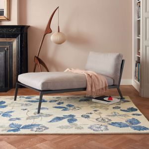 Wild Strawberry Rugs 38108 by Wedgwood